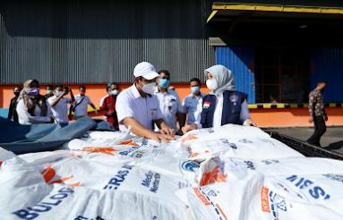 Pemkab Banyuwangi Distribusikan Bansos Beras PPKM Darurat untuk 119.235 Keluarga