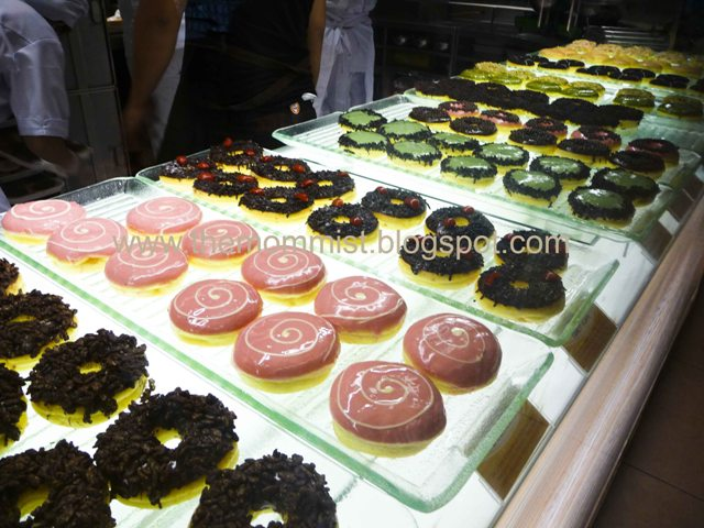 J.Co Donuts display counter