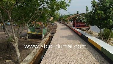 Pantai Pesona Batu Bintang Purnama Dumai Pesona Wisata Keluarga