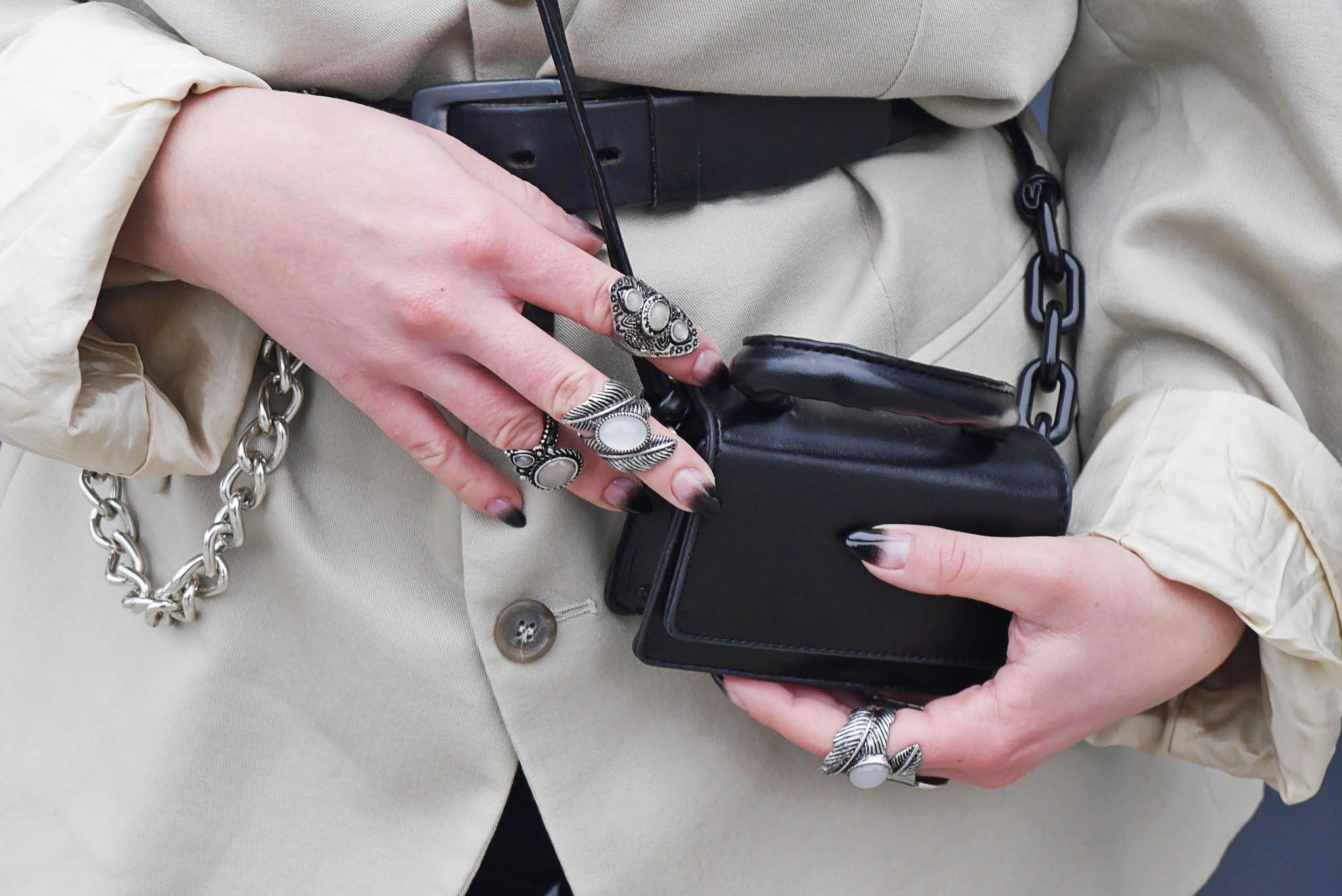 blog modowy blogerka modowa karyn puławy beżowa marynarka oversize czarne kolarki botki na platformie okulary fashion mała torebka czarna aliexpress ccc czarne duże