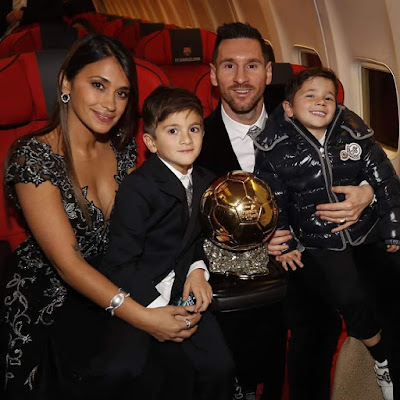 ❤❤❤❤ #Lionel #Messi with his #family while receiving his #sixth #Ballon #d'Or ...