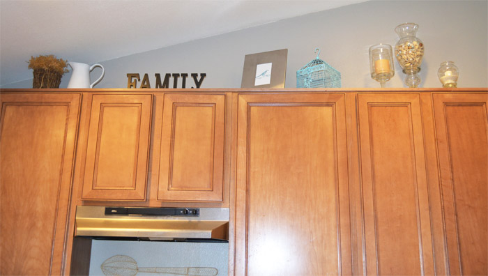 I Spaced It Pretty Kitchen Cabinets Poll Please Vote On The Right