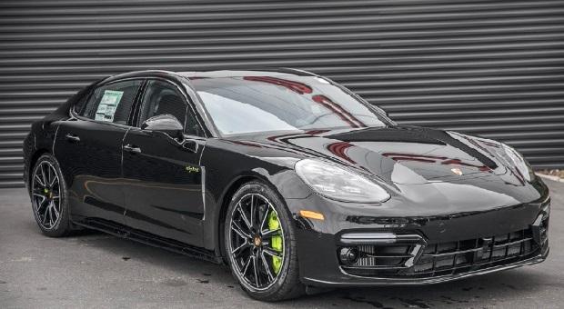 Porsche Panamera Bermasalah pada Sistem Kelistrikan