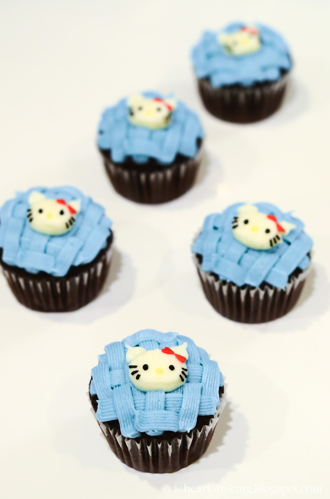 i heart baking winter snowflake hello kitty birthday cupcakes
