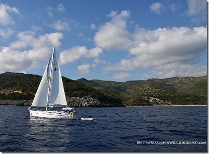 Sailing along the Skala-Poros coast in Kefalonia