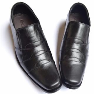 Harga Sepatu Pria Terbaru