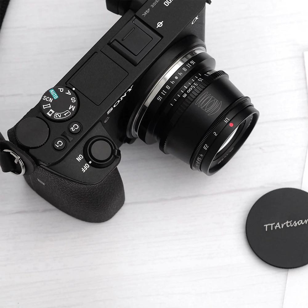 Объектив TTartisan 35mm f/1.4 с камерой Sony