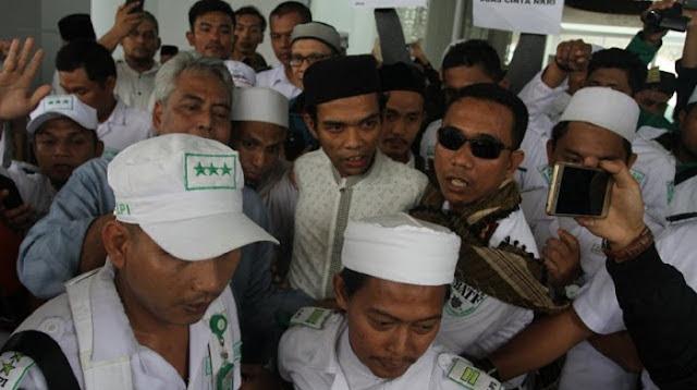 Pelaku Persekusi Ustadz Somad Diborgol Tangan dan Kaki, UAS: Allah SWT Balas Tipu Daya Itu