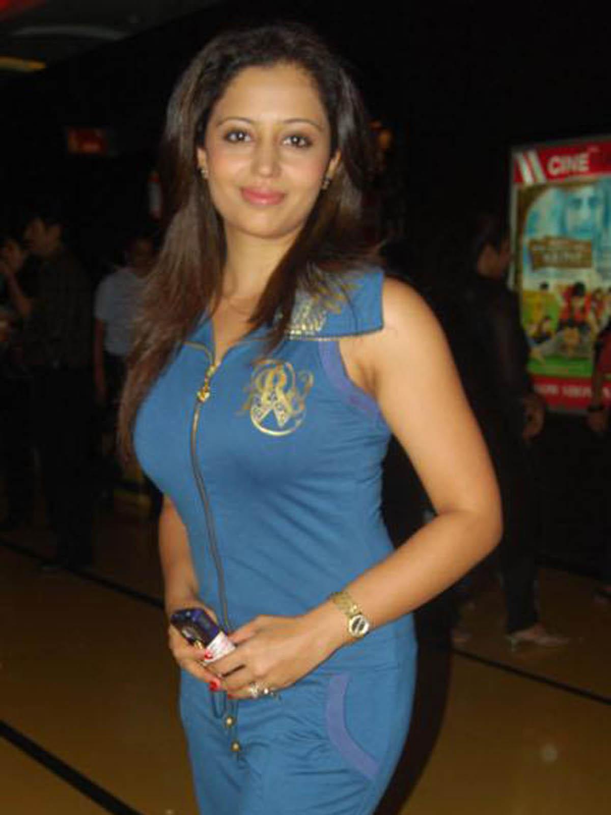 Neha Pendse 1998
