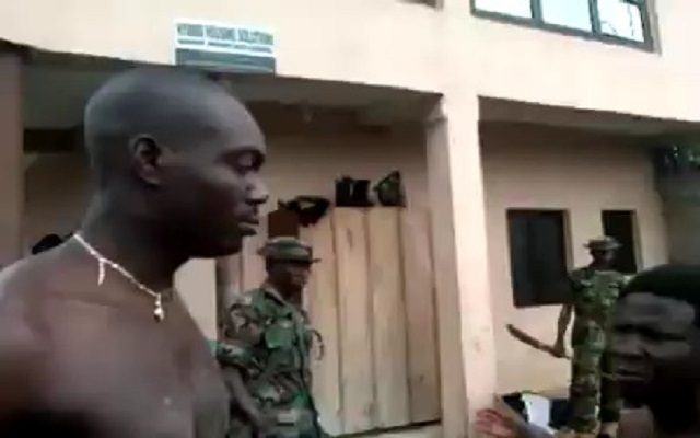 Soldiers punishing Citizens through slaps [Video]