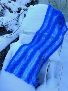 kobaltblauwe wollen sjaal,gebreidesjaals.kobaltblauwe wol.