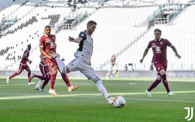 Highlight Juventus Hancurkan Torino 4-1