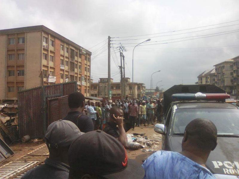 Graphic: Security man shoots car thief dead in Onitsha