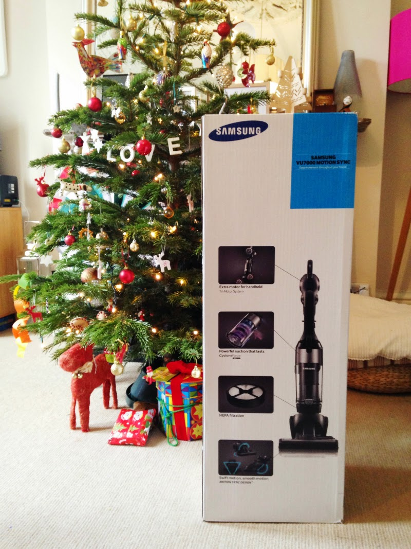 Christmas comes early with SAMSUNG MOTION SYNC 2-IN-1 VACUUM CLEANER