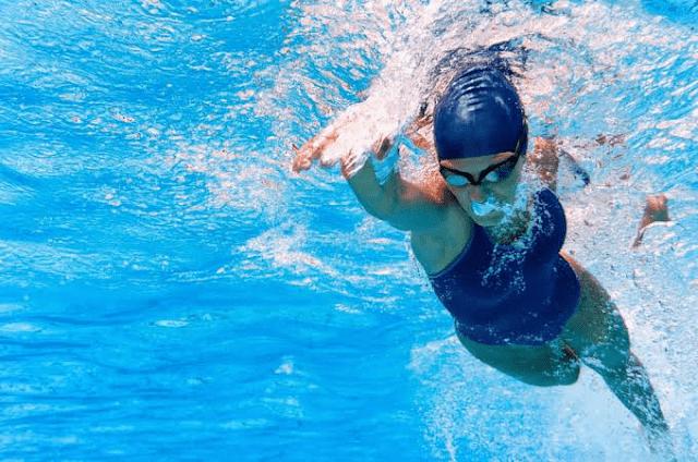 Manfaat Berenang untuk Diet, Wanita Wajib Tahu