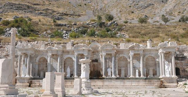 Sagalassos-Antoninler çeşmesi
