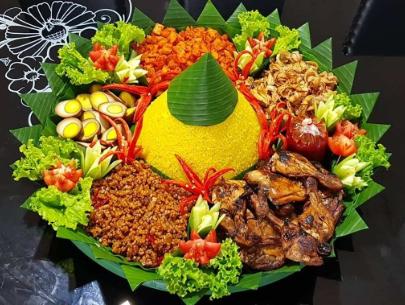 Beberapa Lauk untuk Pelengkap Sajian Nasi Tumpeng