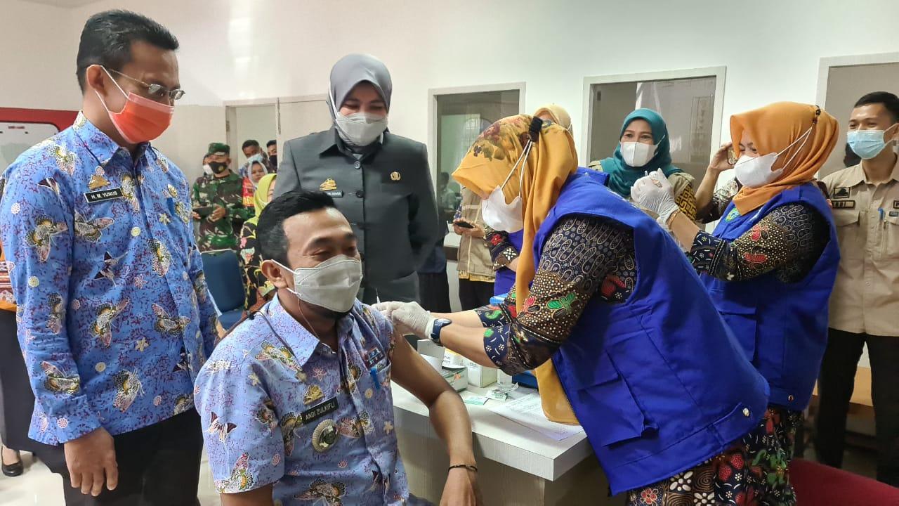 Wakil Bupati Maros Pantau Pelaksanaan Vaksinasi Covid-19 Tahap Ke-2