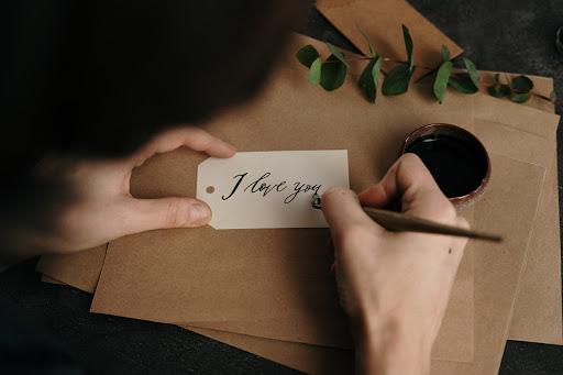 Puisi berjudul kau dan kemustahilan