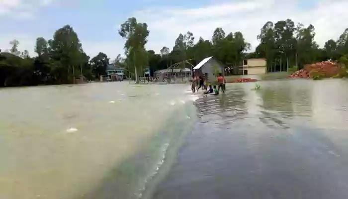 বকশীগঞ্জে বন্যা-বৃষ্টিতে নাজেহাল নিম্নাঞ্চলবাসী