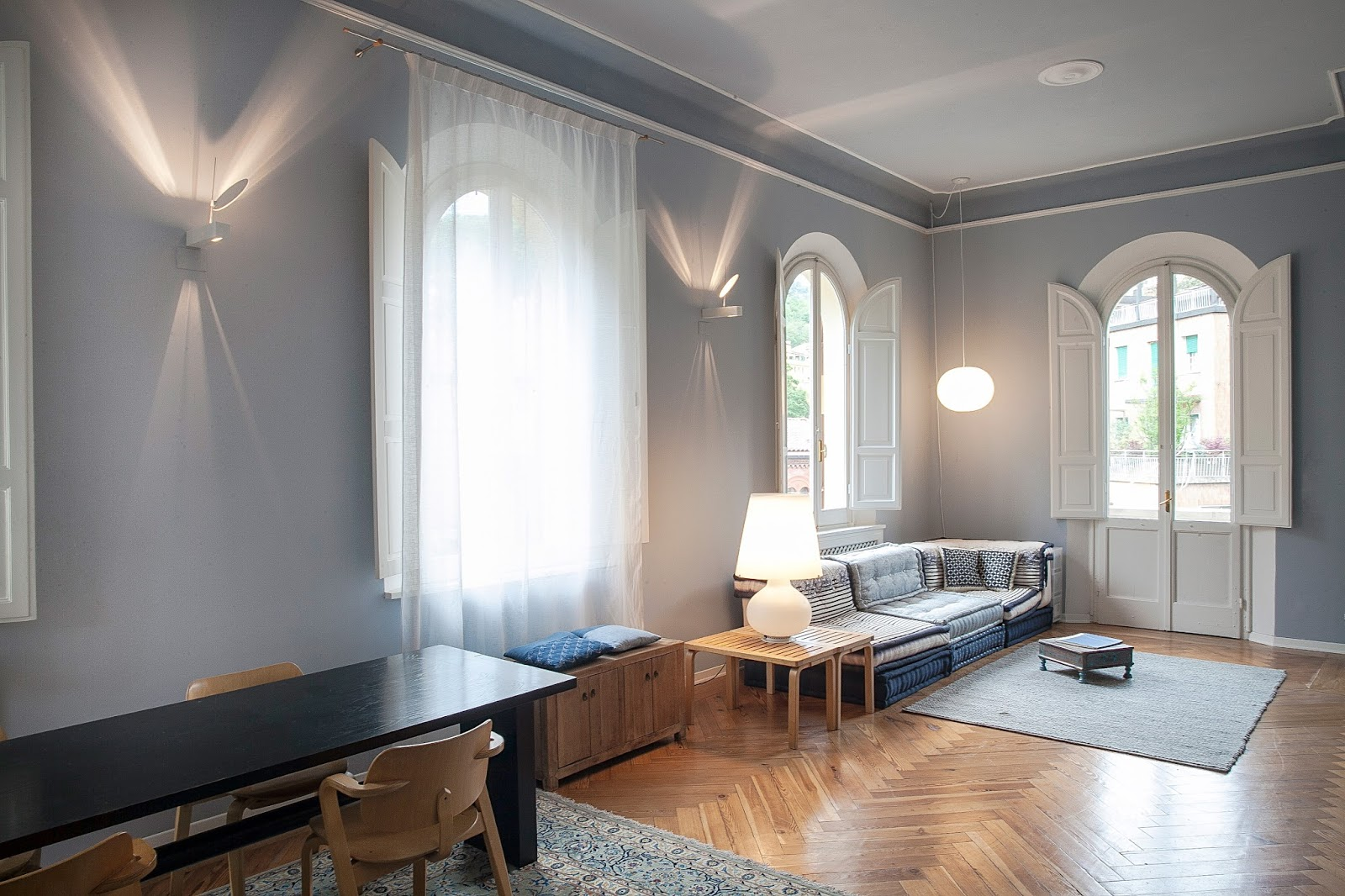 Abitazione in villa liberty ai piedi della collina for Design della casa di 750 piedi quadrati