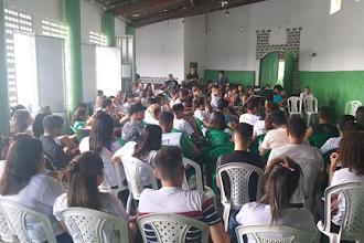 Representantes dos jovens do Centro de Apoio à Criança participam de encontro regional do Rejudes