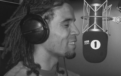 AKALA - FIRE IN THE BOOTH PART 4 [VIDEO]