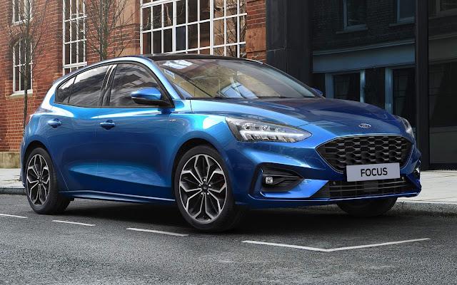 Ford Focus 1.0 Hybrid chega para encarar o Golf eTSI