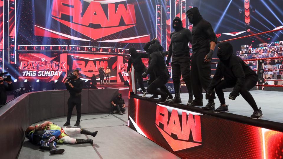 RETRIBUTION deverão ser exclusivos do RAW