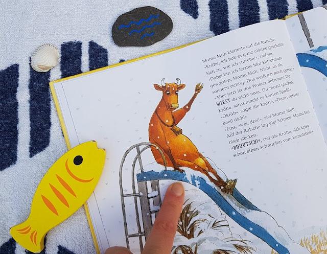 Mama Muh und die Küstenkinder spielen Sommer: Kinderbuch-Rezension und unsere Top 5 Ideen, um den Sommer ins Haus zu holen. Auch mitten im Winter kann man im Wohnzimmer Sommer spielen.