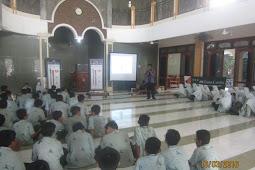 SV (School Visit) Menulis di SMP Al-Falah Assalam Sidoarjo