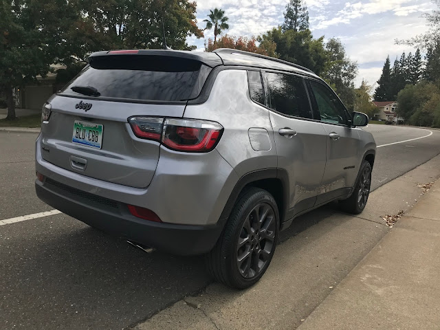 Rear 3/4 view of 2019 Jeep Compass Limited High Altitude 4X4