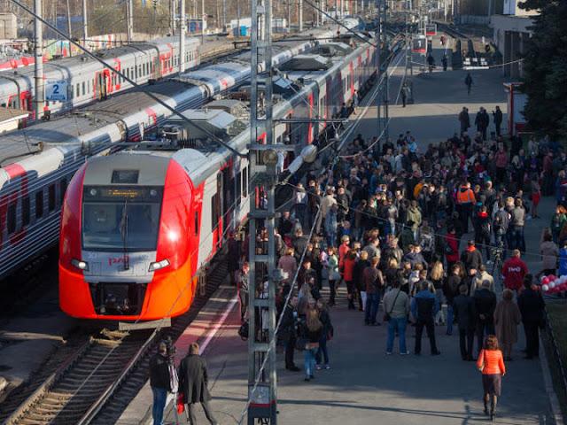 На петербургских вокзалах вводится плата для провожающих