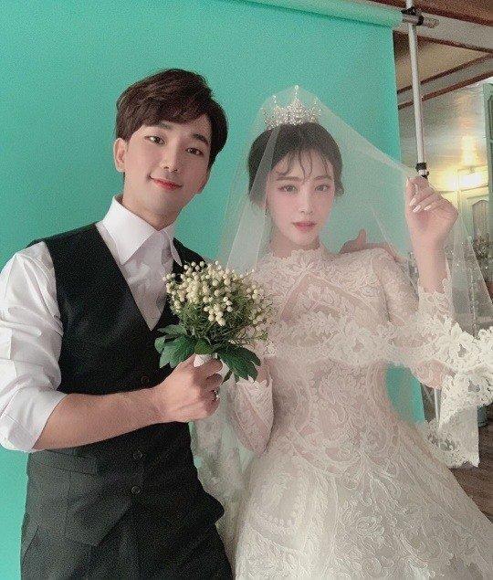 GO ve Choi Ye Seul evlilik hazırlıklarından fotoğraf paylaştı