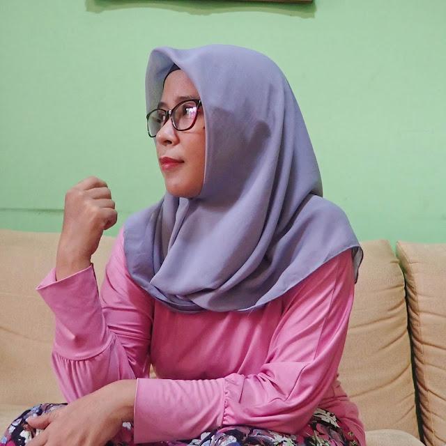 Tips Memakai Hijab Segi Empat untuk yang Berkacamata