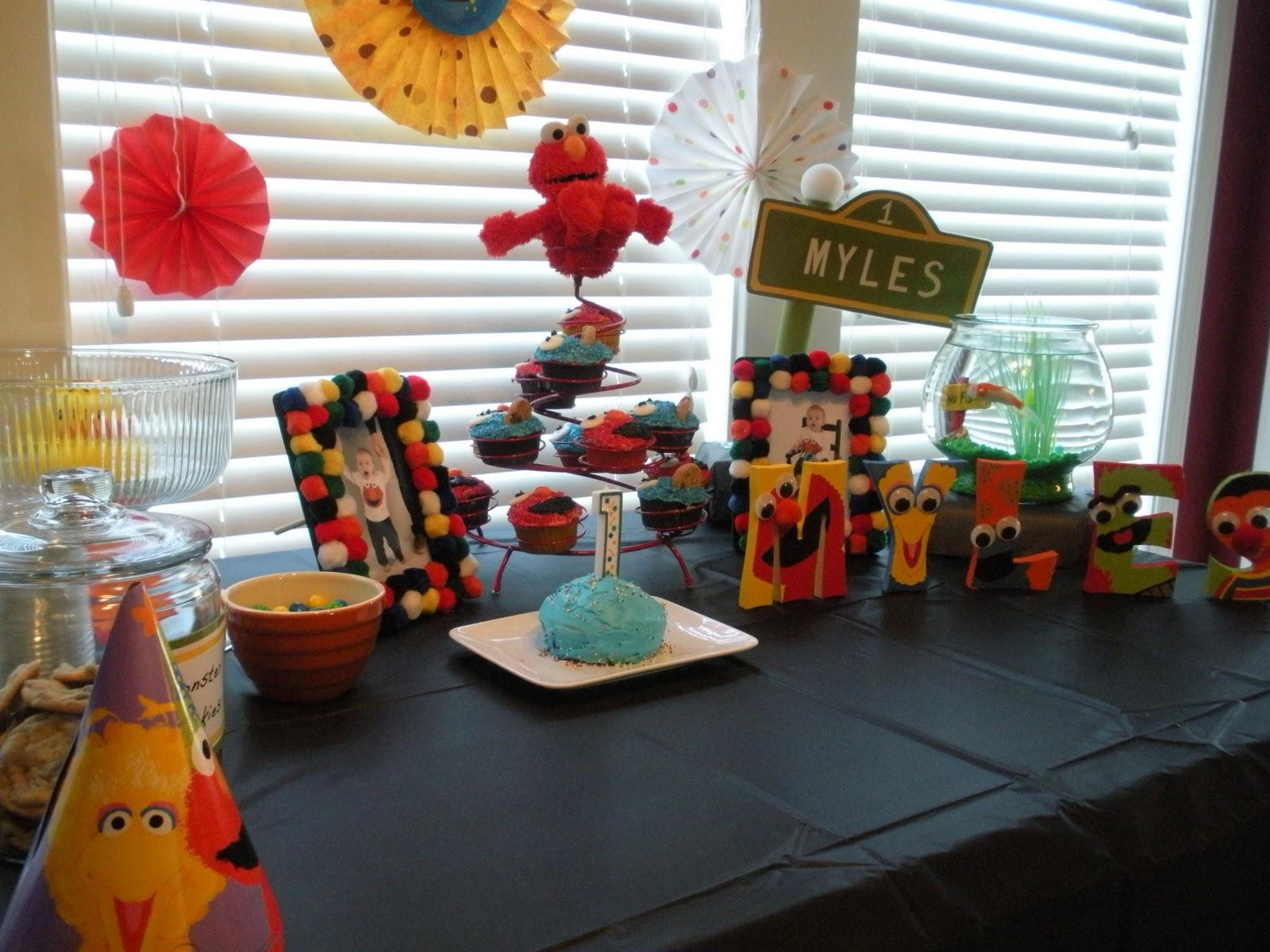 Team Revelle Partyin Elmo Style