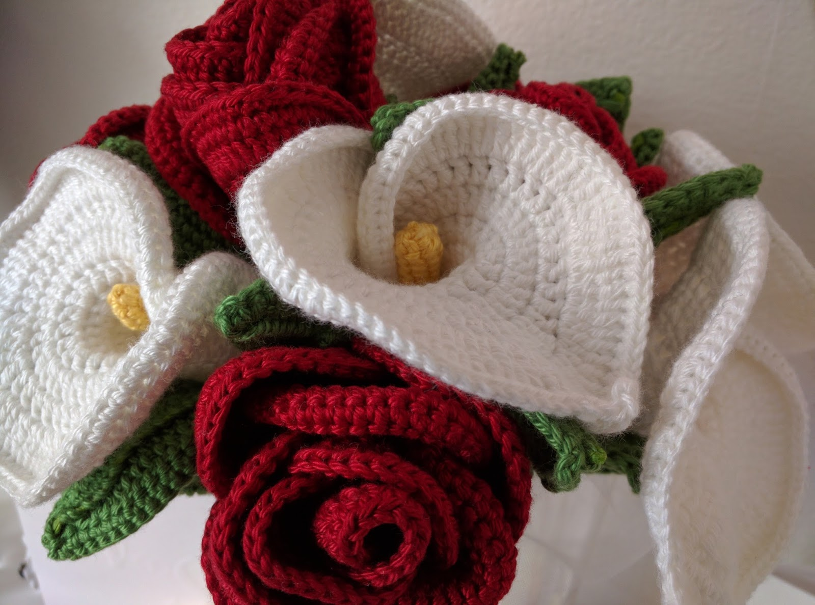 Run sengi run bridal bouquet my main solo wedding project was to crochet my bouquet and i have been thinking aboutplanning this for about a year and properly working on it for the izmirmasajfo