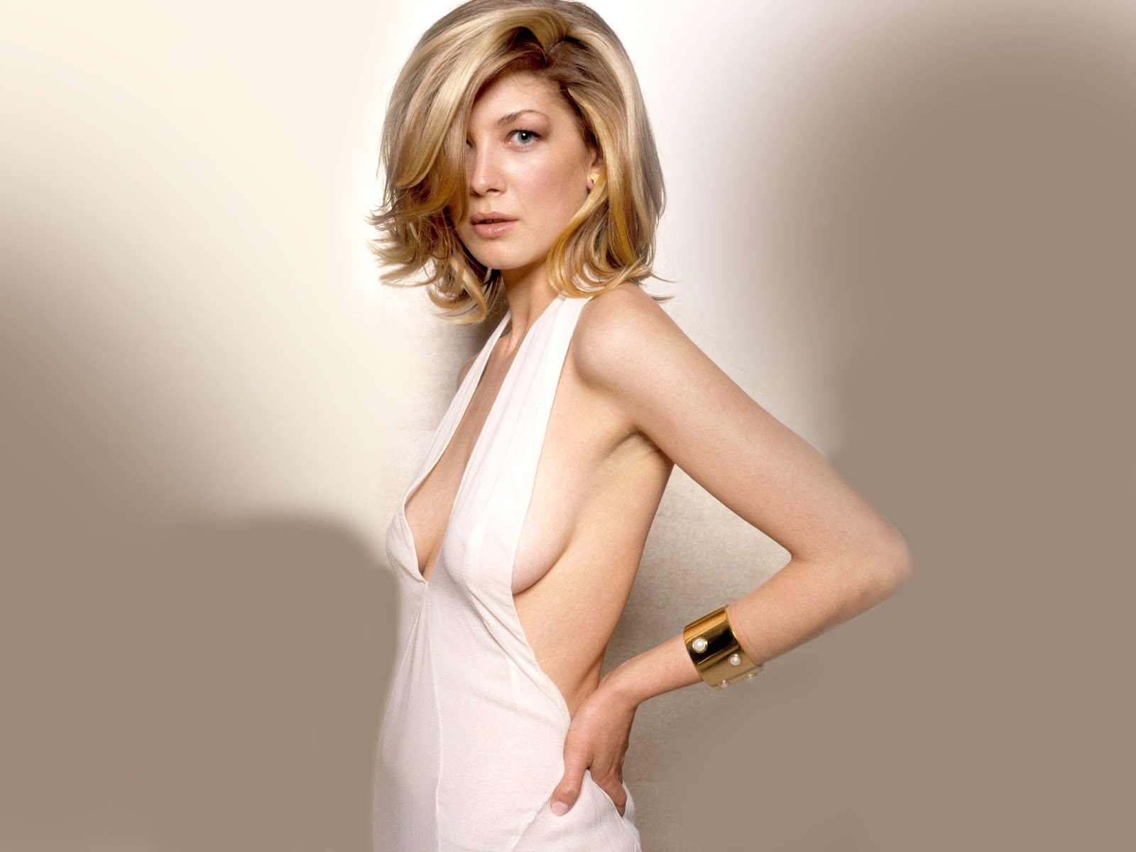 Rosamund Pike Joins Return To Sender Sandwichjohnfilms