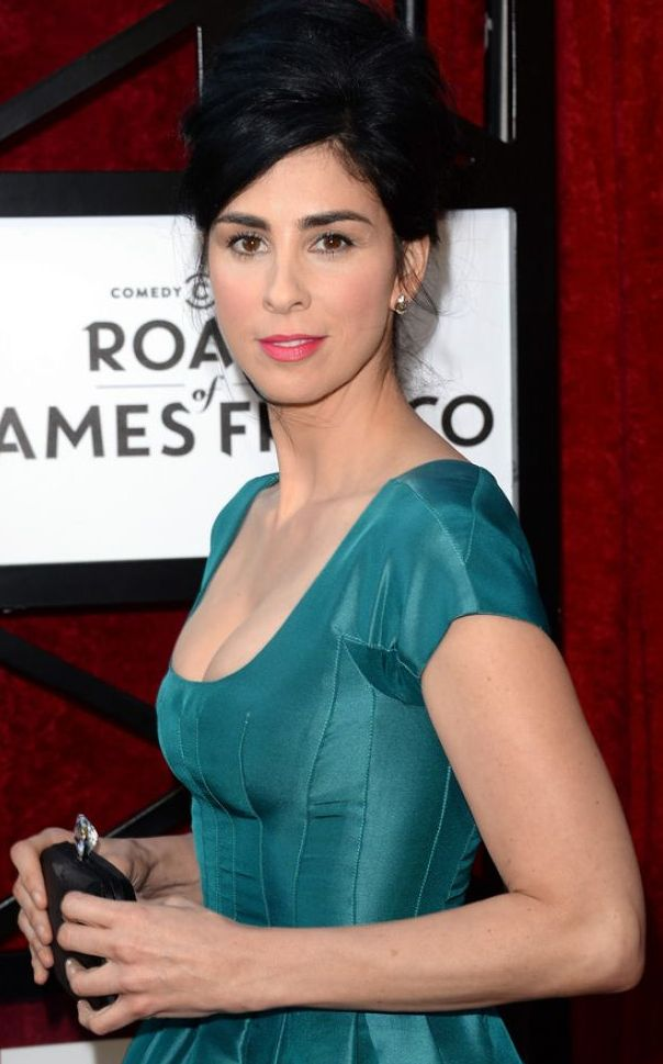 Celebrity pictures gossip sarah silverman for Laura silverman