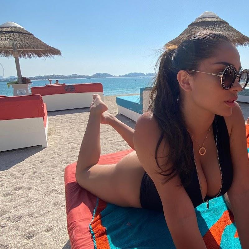 Ana Paula Saenz Instagram Clicks 20 Apr-2021