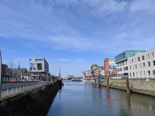 Neusser Hafen im Frühjahr 2020