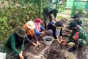 Manfaatkan Lahan Kosong, Satgas Yonif 642/KPS Ajak Warga Temajuk Berkebun
