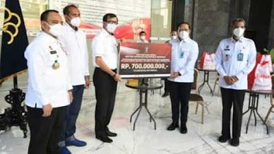 Peduli Warga Terdampak Pandemi, Kemenkumham Bagikan Sembako