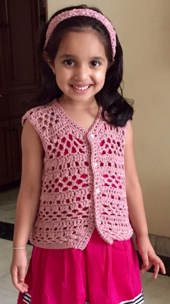 2b5a363dd3662 Sweet Nothings Crochet  AN EASY SLEEVELESS VEST FOR DIYA