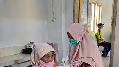 Pelaksanaan Vaksinasi di Kecamatan Suela Berjalan Sesuai Target, Kecuali Bagi Lansia