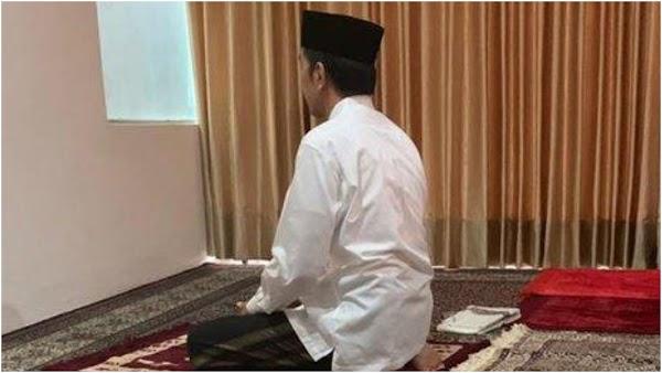 Viral Presiden Jokowi Unggah Karikatur Salat Menghadap ke Selatan, Ketahuan Gara-Gara Ini