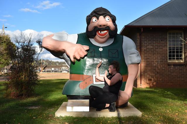'Giant' Cootamundra Sculpture. Australian BIG Things List