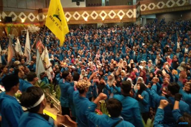 Gelar Sidang Rakyat, Mahasiswa Nilai Kepemimpinan Jokowi Gagal