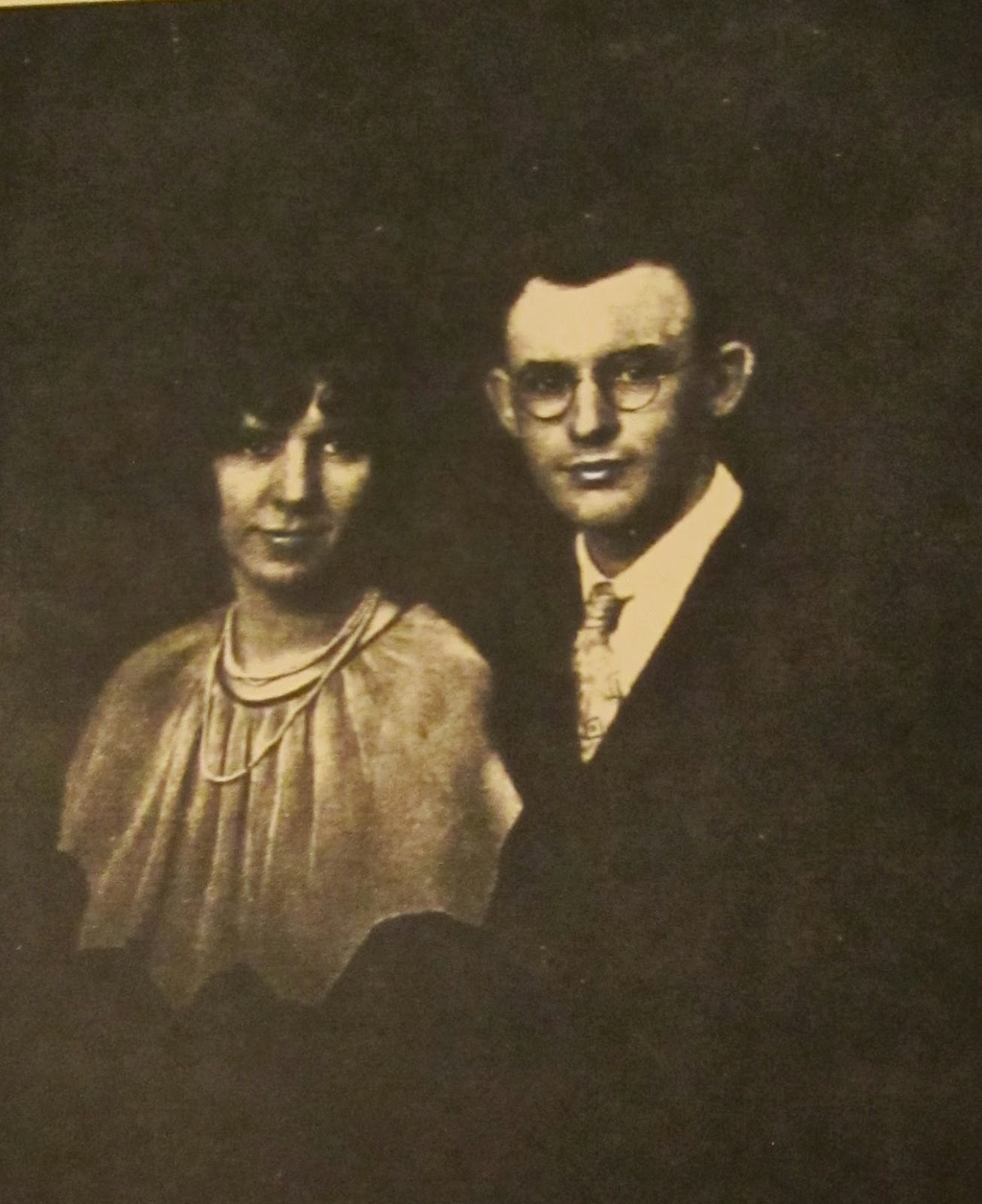 Climbing My Family Tree: Carl and Anna (Bennett) Henn, circa 1929 - wedding picture, I think