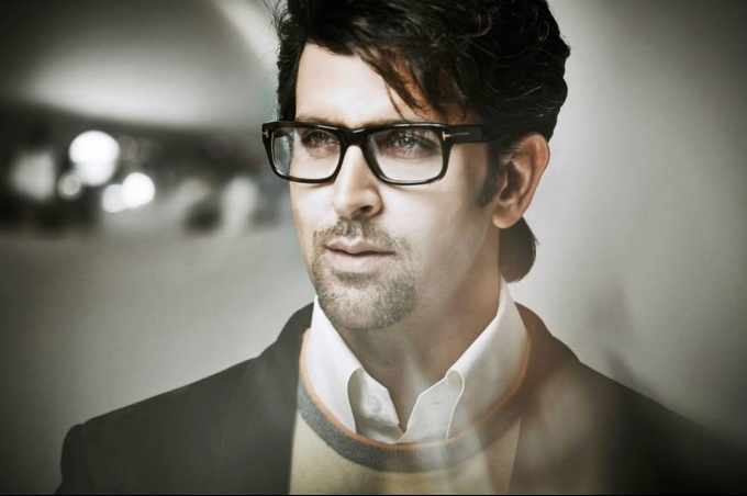 Hrithik Roshan Wiki Biography, Age, Personal Detail, Wallpaper Download